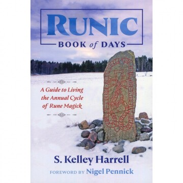 Runic Book of Days av S. Kelley Harrell