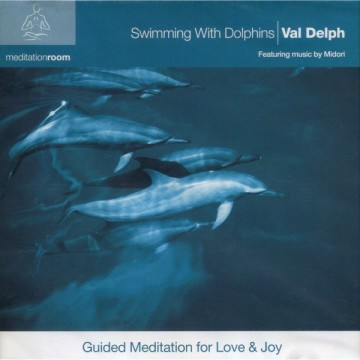 Swimming with Dolphins av Val Delph